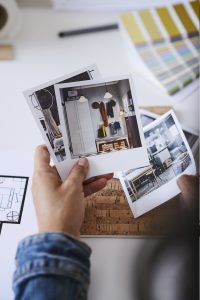 IKEA customer holding a picture